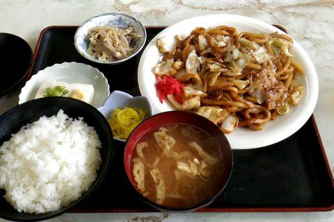 亀山のB級グルメ 川森食堂の「味噌焼きうどん」
